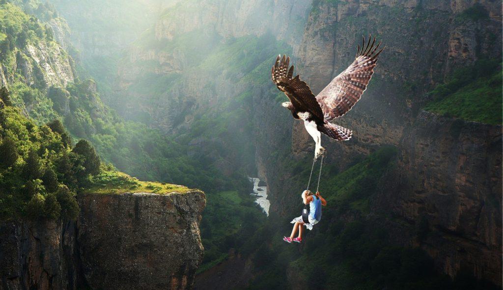 あそこの崖まで飛べるかな?自己効力感をもって挑戦する少年。