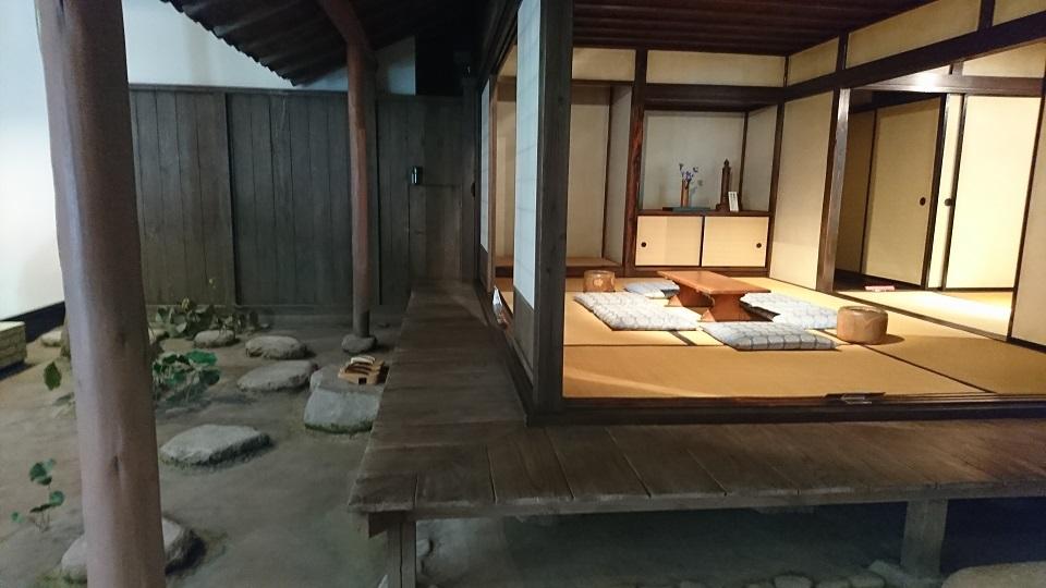 愚陀仏庵の内部。ここで子規と漱石がともに暮らした。