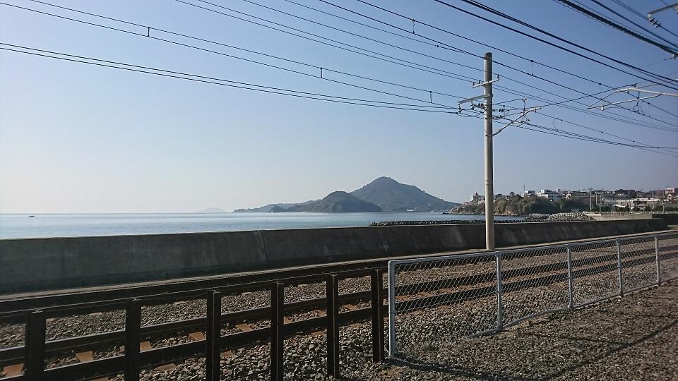 梅津寺駅から見る海。ドラマの風景が蘇る。